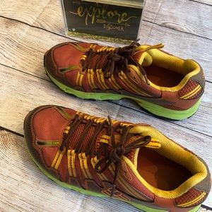 Excellent cond Columbia Sz 10 Bombay hiking shoes